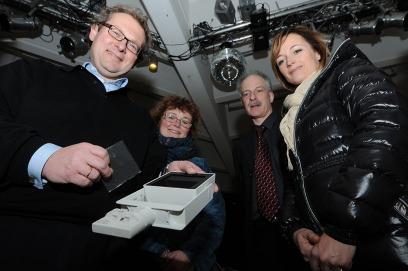 Thorsten Muck beriet den Vorstand des Fördervereins bei der Anschaffung der neuen LED-Lampen für die ZRG. Foto: Hüls
